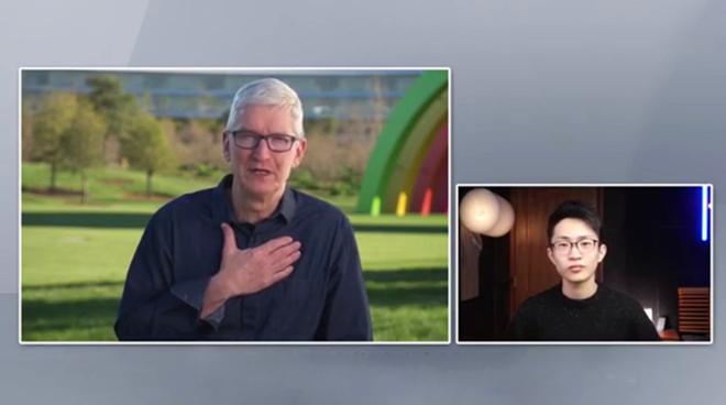 CEO Apple - Tim Cook trong cuộc phỏng vấn trực tiếp với sinh viên Trung Quốc.