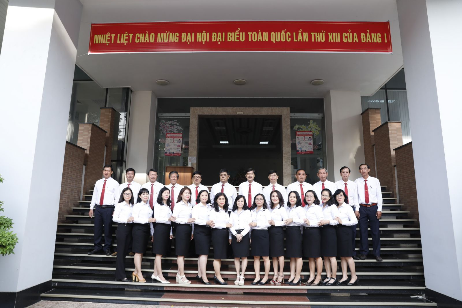 Lãnh đạo cùng các trưởng phó phòng ban Công ty
