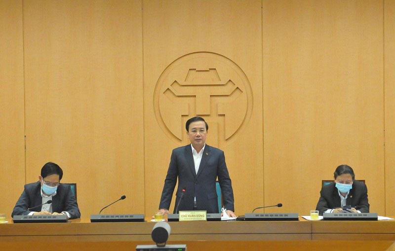 Phó Chủ tịch UBND TP Hà Nội Chử Xuân Dũng phát biểu tại cuộc họp.