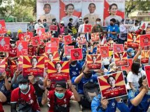 Tất cả thông tin liên quan đến quân đội Myanmar đều bị Facebook cấm