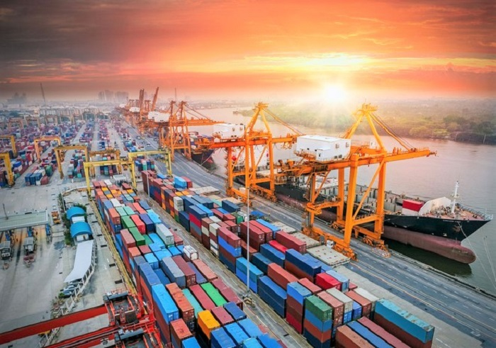 Các khu vực cảng biển có khối lượng hàng hóa thông qua tăng cao. Ảnh: Internet