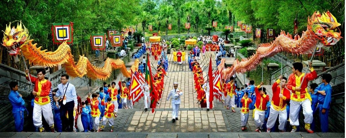Hình ảnh nghi lễ giỗ tổ Hùng Vương mấy năm trước.