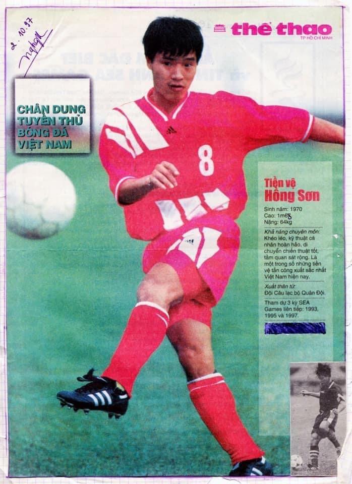 Hồng Sơn trên trang nhất một tờ báo thể thao khi anh ở thời đỉnh cao của sự nghiệp. Ảnh: FBNV