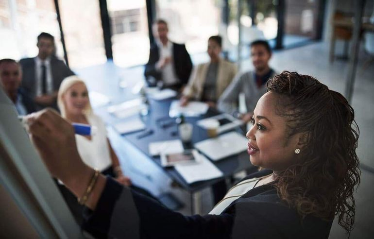 Vượt qua rào cản màu da, những nữ doanh nhân da màu này đã phá vỡ doanh thu hàng tỉ đô la