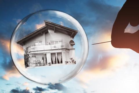 Nợ xấu bất động sản có xu hướng tăng gây rủi ro lớn