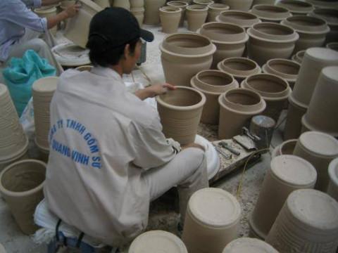 Gốm sứ Vinh Quang: Khẳng định chỗ đứng trên thị trường