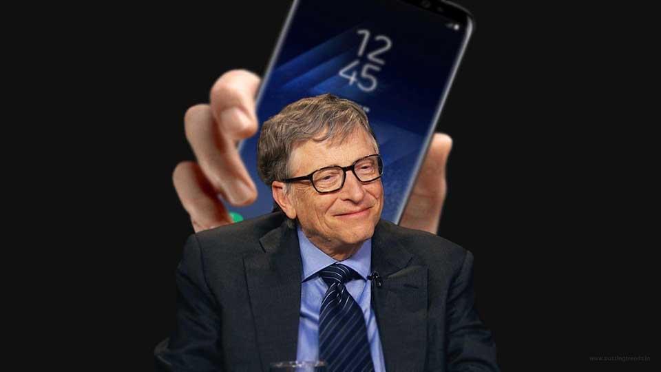 """Hé lộ lý do Bill Gates """"chuộng"""" dùng điện thoại Android hơn iPhone"""