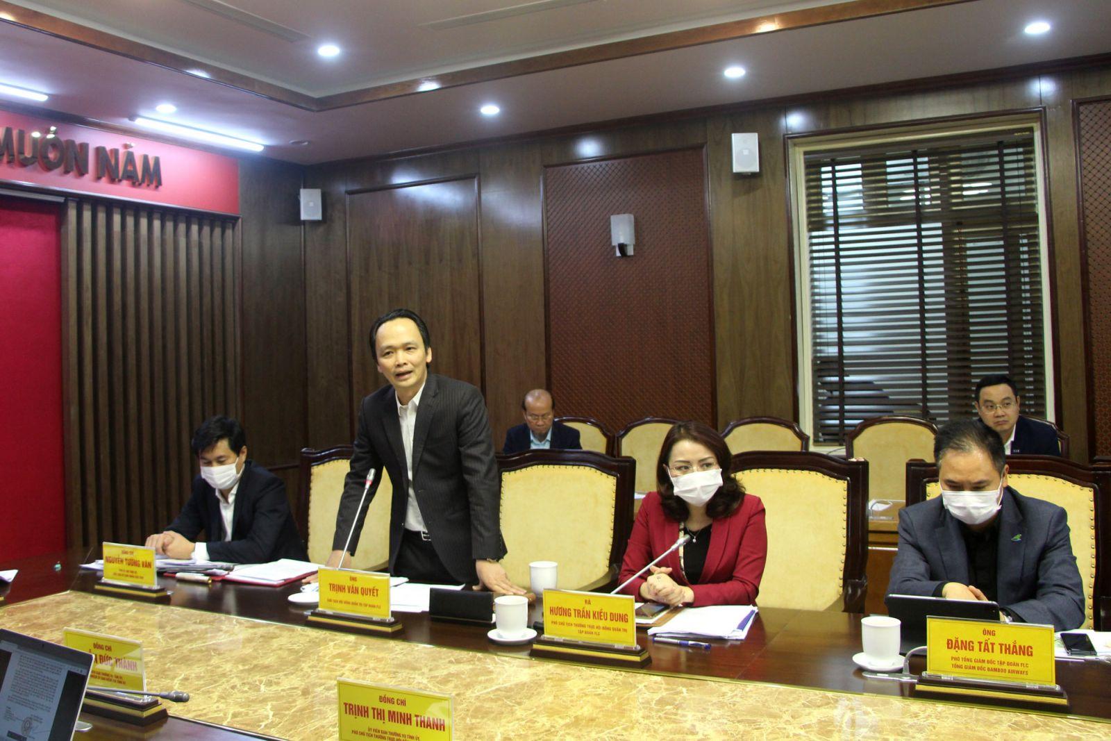 Đại diện Tập đoàn FLC báo cáo tình hình triển khai các dự án.