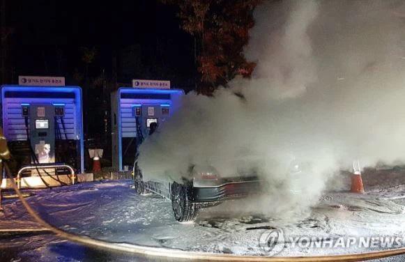 Có ít nhất 15 vụ cháy, nổ xe điện đã được báo cáo. (Ảnh: Yonhap)