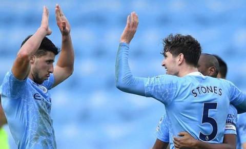 Man City thắng trận thứ 14 liên tiếp tại Premier League