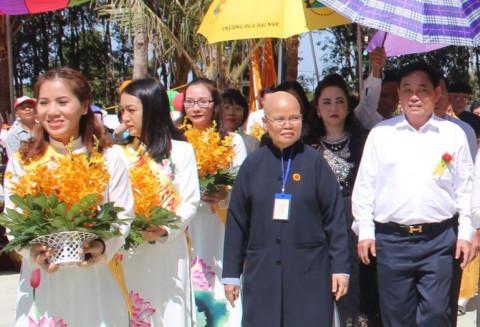 """Đại gia Dũng """"Lò Vôi"""" tặng chùa tại tỉnh Bình Thuận"""