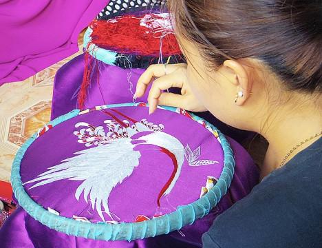 Làng Quất Động (Thường Tín) - cái nôi của nghề thêu truyền thống
