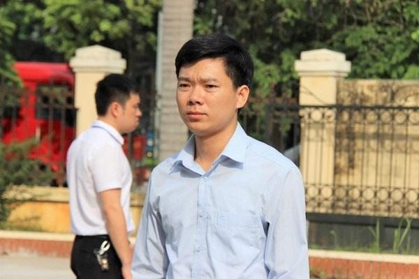 Doanh nhân Nguyễn Văn Đệ mời bác sĩ Hoàng Công Lương về bệnh viện làm việc