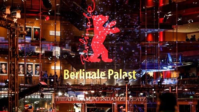 Giải thưởng danh giá nhất và cũng là biểu tượng của Berlinale là Gấu Vàng