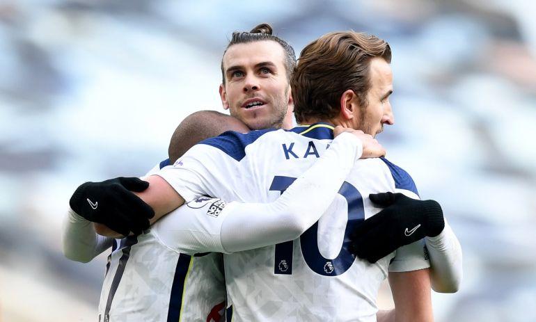Bale bất ngờ trở lại giải cứu mùa giải của Tottenham