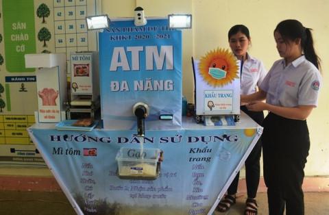 Máy ATM phòng dịch Covid-19 dùng năng lượng mặt trời, sản phẩm sáng tạo của học sinh THPT tỉnh Quảng Ngãi