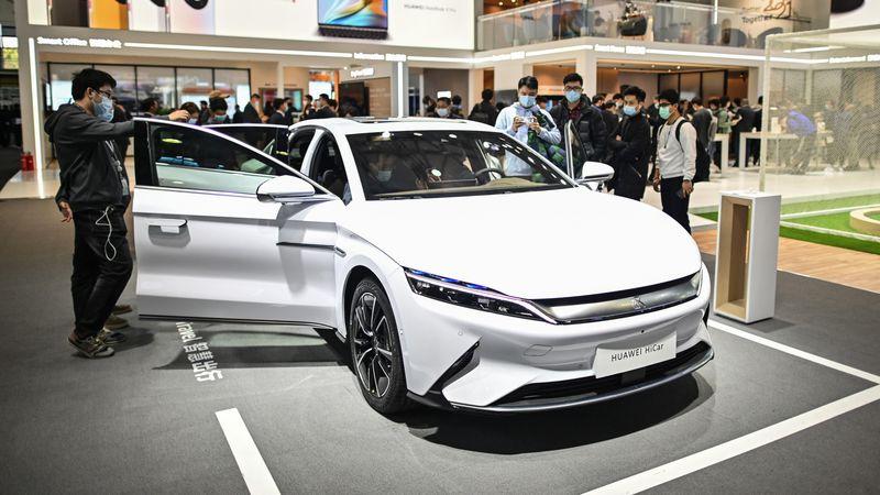 Đổi chiến lược, Huawei đang lên kế hoạch sản xuất xe điện?