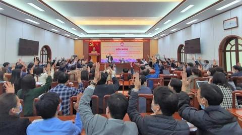 100% cử tri biểu quyết đồng ý giới thiệu ông Trần Thanh Mẫn và Hầu A Lềnh ứng cử đại biểu Quốc hội khóa XV