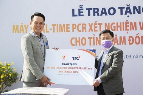 Hội Doanh nhân trẻ Việt Nam trao tặng Hệ thống máy xét nghiệm tự động virus SAR-CoV-2 tại Lâm Đồng