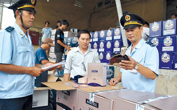 Thủ tục hải quan (tiếng Anh – CUSTOMS PROCEDURES) là các thủ tục cần thiết đảm bảo hàng hóa cũng như phương tiện vận tải được xuất khẩu hoặc nhập khẩu qua biên giới quốc gia