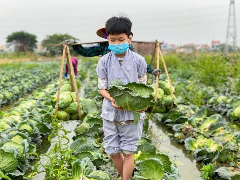"""San sẻ yêu thương - chùa Ba Vàng """"giải cứu"""" hơn 80 tấn nông sản hỗ trợ người dân tỉnh Hải Dương"""