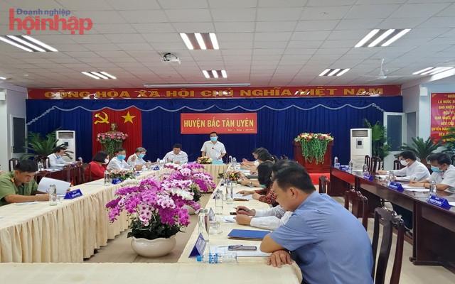 Toàn cảnh cuộc họp Ban chỉ đạo tỉnh tại Huyện Tân Uyên.