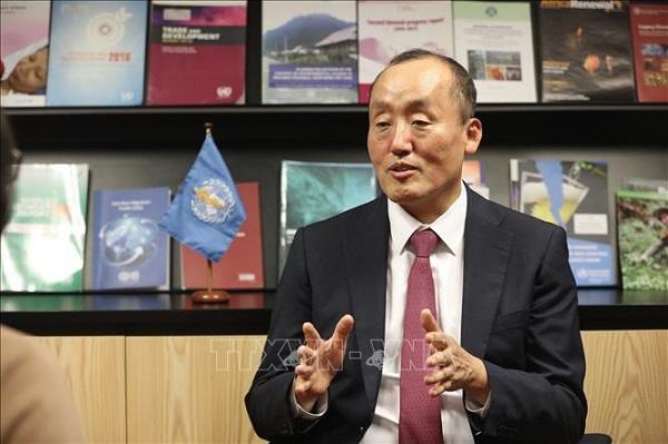 Tiến sỹ Kidong Park, -Trưởng Đại diện WHO tại Việt Nam