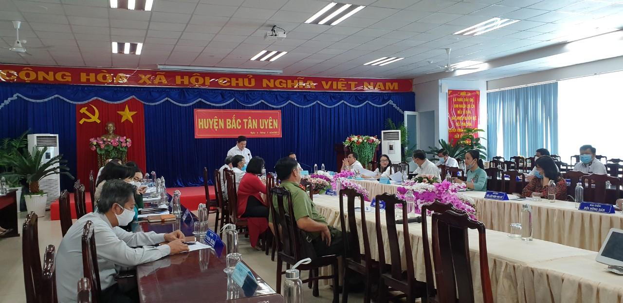 BCĐ phòng chống dịch làm việc với UBND huyện Bắc Tân Uyên