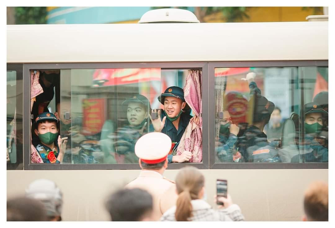 TX Đông Triều có 245 tân binh nhập ngũ, lễ giao nhận quân được tổ chức tại Sân vận động trung tâm thị xã với tinh thần giao, quân nhanh gọn, tiết kiệm và an toàn trong phòng, chống dịch Covid-19.
