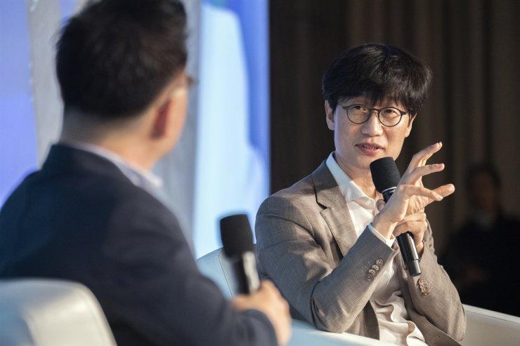 Người sáng lập Naver Lee Hae-jin. Ảnh: Korean Times