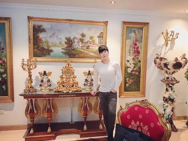 Biệt thự dát vàng trị giá 300 tỉ đồng của Nathan Lee.