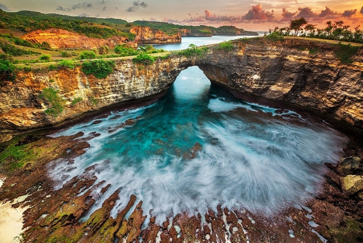 Bãi biển ẩn kỳ lạ hấp dẫn khách du lịch tại Mexico