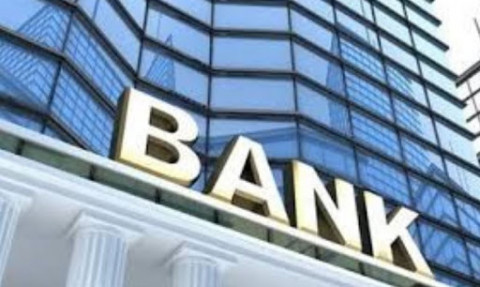 Nhiều ngân hàng giảm lãi vay hỗ trợ doanh nghiệp và người vay vốn