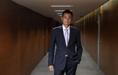Giám đốc chiến lược của Softbank tuyên bố từ chức