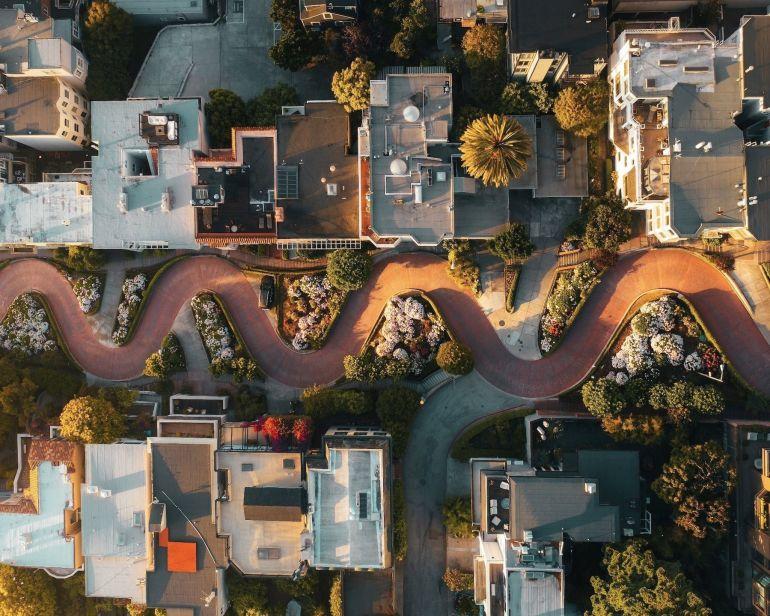Những con đường kỳ lạ bậc nhất thế giới