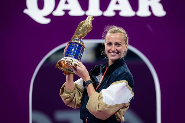 Vượt qua Muguruza sau 2 set, Petra Kvitova vô địch Qatar mở rộng 2021