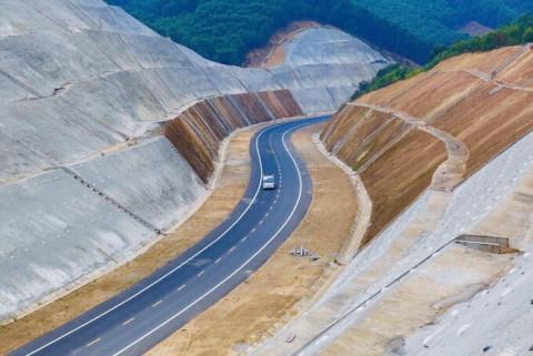 Cao tốc La Sơn- Túy Loan để thông xe vào cuối quý II