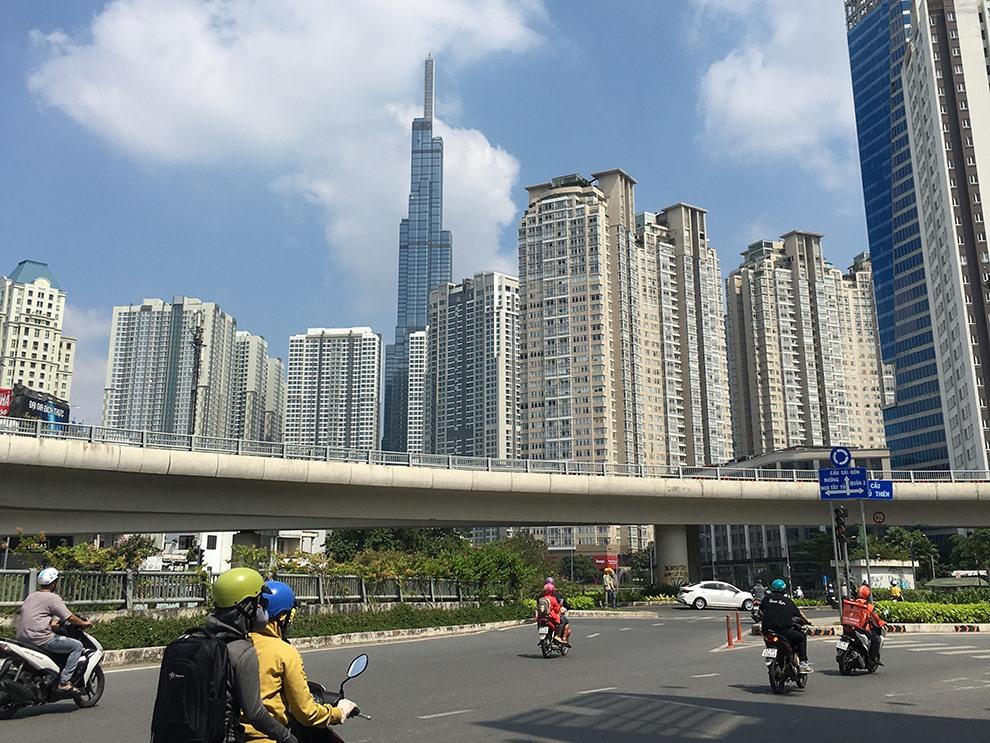 Bất động sản TP Hồ Chí Minh: Doanh nghiệp không còn chung cư bình dân để bán