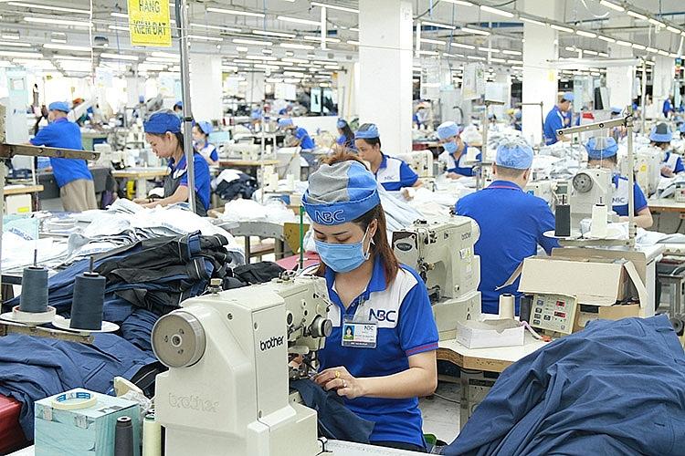 Ngành dệt may vẫn gặp nhiều khó khăn dù xuất khẩu tích cực