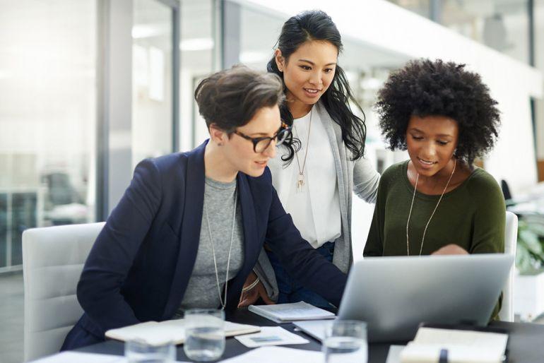 Phụ nữ điều hành kinh doanh mang lại lợi nhuận lớn hơn nam giới