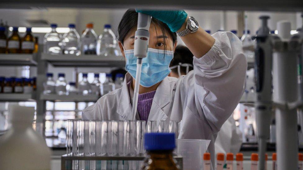 560 tình nguyện viên tiêm thử nghiệm mũi 1 giai đoạn 2 vaccine Nano Covax