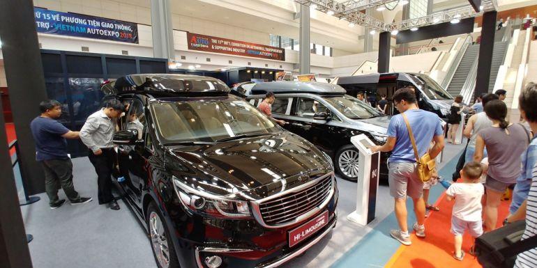 Thị trường mua bán ô tô Việt Nam 2 tháng đầu năm tụt dốc