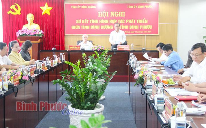 Ủy viên Trung ương Đảng, Bí thư Tỉnh ủy Bình Dương Trần Văn Nam phát biểu chỉ đạo hội nghị