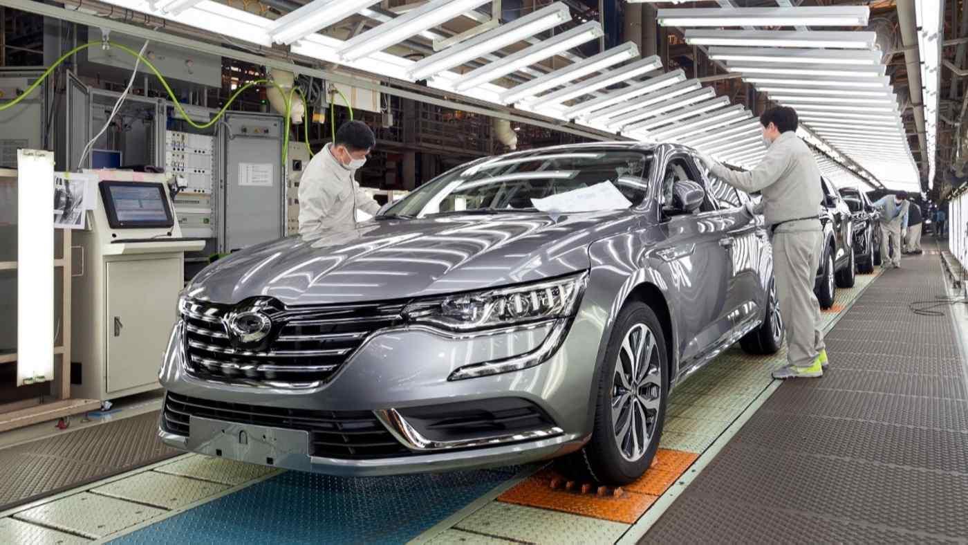 Renault Samsung đã bị sụt giảm sản lượng nghiêm trọng tại nhà máy duy nhất ở Busan do công ty mẹ người Pháp đã giảm gia công phần mềm cho đơn vị Hàn Quốc.
