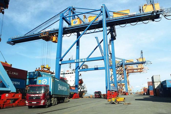 Xuất nhập khẩu oằn vai vì cước vận tải biển tăng cao