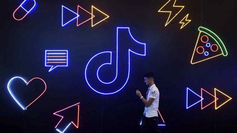 Cuộc đụng độ của những gã khổng lồ trên mạng xã hội của Trung Quốc