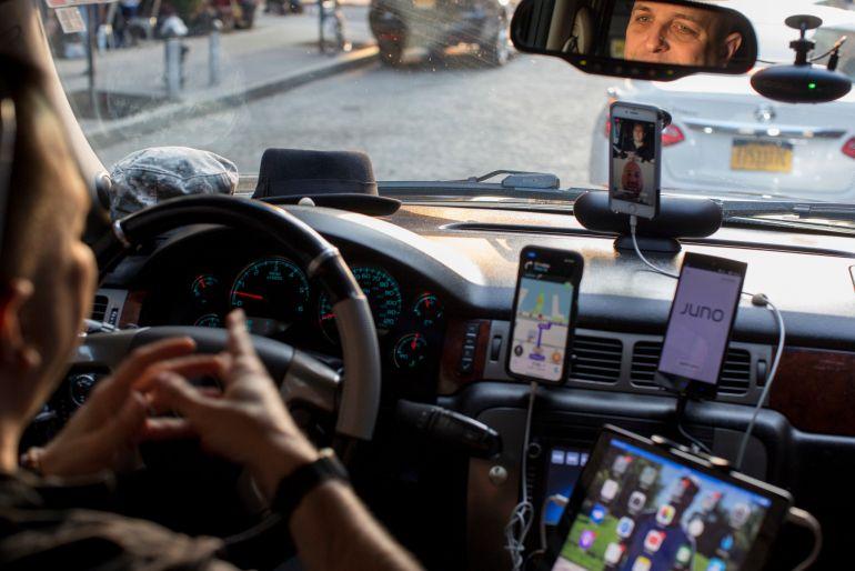 Hơn 70.000 tài xế ở Anh đã được hãng taxi công nghệ Uber công nhận là nhân viên chính thức