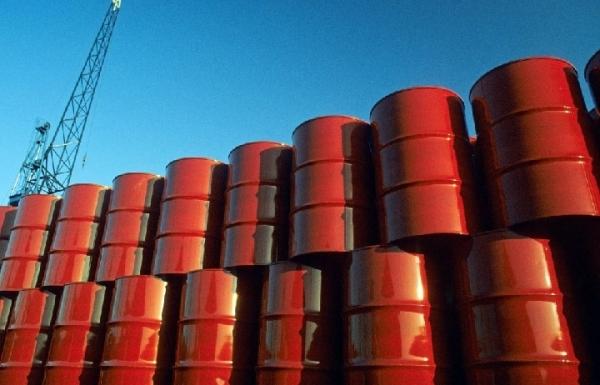 Áp lực lớn lên giá dầu do làn sóng Covid-19 ở châu Âu