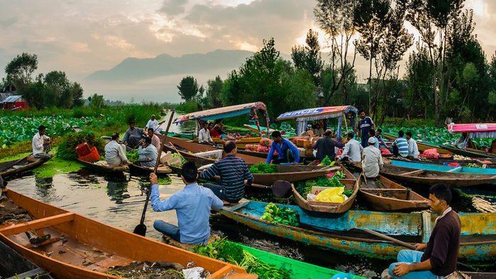 Chợ Nổi Trà Ôn - nét đặc sắc trong văn hóa sinh hoạt của người dân Vĩnh Lon (Ảnh: Internet)