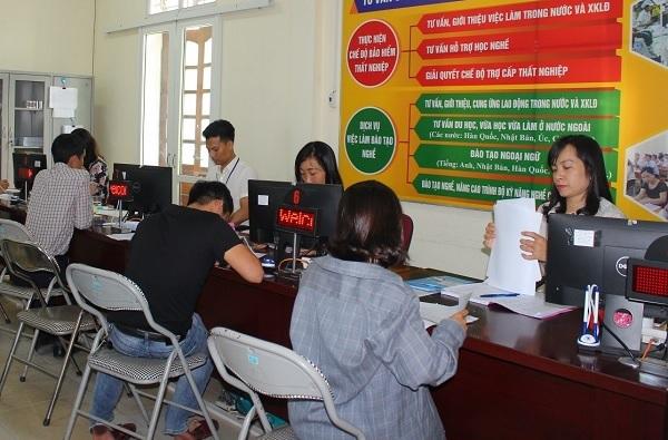 Trung tâm dịch vụ việc làm có trách nhiệm thực hiện tư vấn, giới thiệu việc làm cho người lao động và cung cấp thông tin thị trường lao động miễn phí